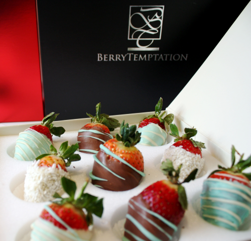 24 Berry Blueberrie  Hand-dipped strawberries